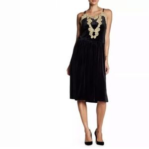 Romeo & Juliet Couture Black Velvet Dress Lace